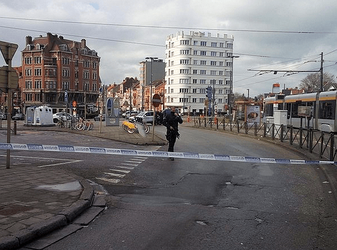 Noi IMPUSCATURI in Bruxelles, in plina strada! Un posibil terorist A FOST UCIS!