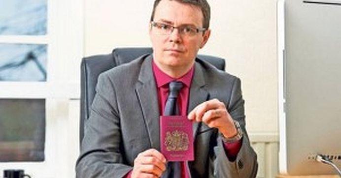 Om de afaceri din Londra: Prefer ORICAND sa angajez un roman decat un englez! Am jurat ca vin in Romania dupa oameni harnici, nu englezi puturosi!
