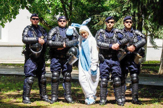 FOTO Cel mai tare mesaj de Pasti vine de la MAI: Iepurasul e in SIGURANTA!