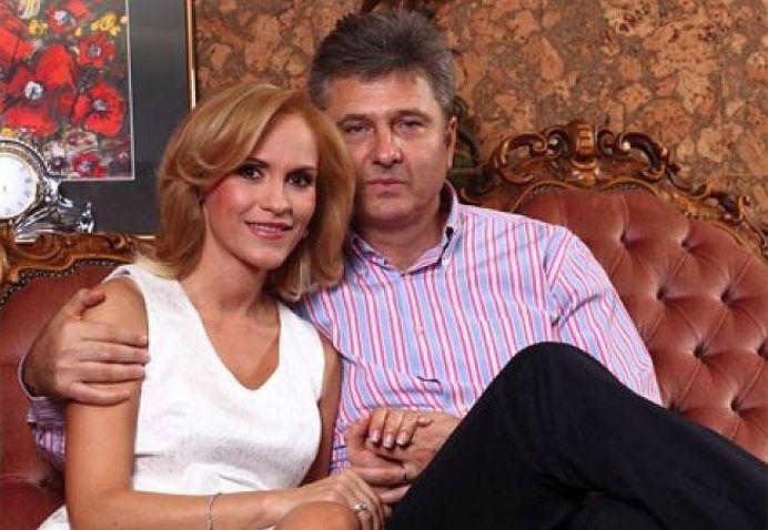 Divort in familia Gabrielei Firea? Pandele anunta ca iese in strada la proteste impotriva PSD!