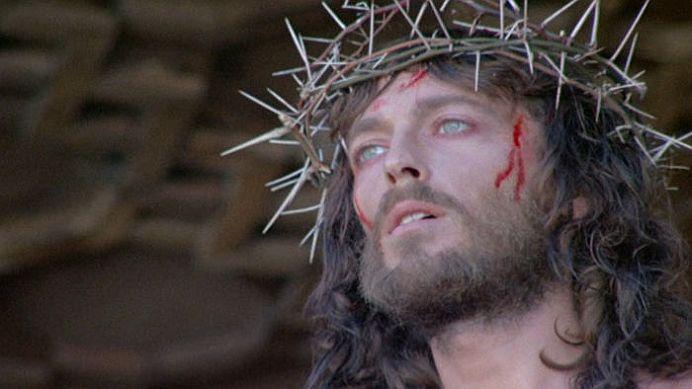 Blestem sau coincidenta incredibila!? Toti actorii care l-au jucat pe Iisus AU PATIT ASTA!