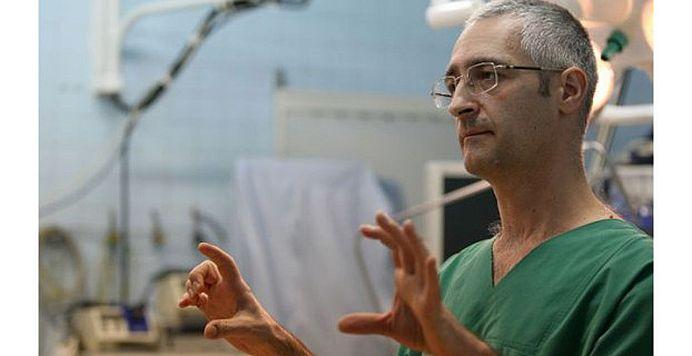"""Chirurgul Mihai Ionac: """"I-aş da afară pe toţi doctorii din spitalele de stat care iau bani de la pacienţi"""""""