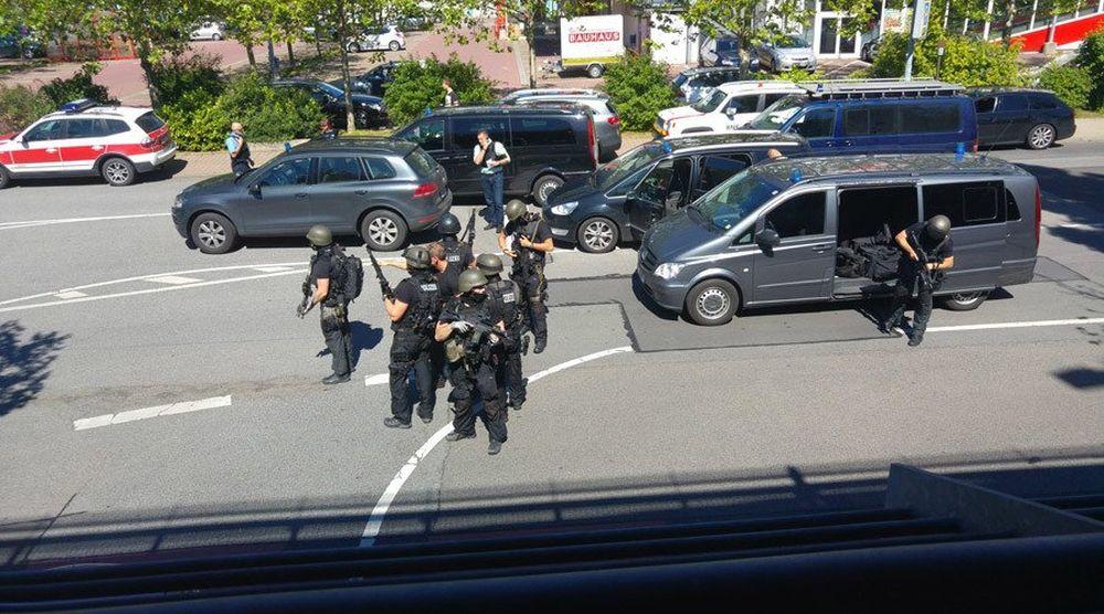 ATAC ARMAT intr-un cinema din Germania soldat cu 50 de raniti! Politia L-A IMPUSCAT pe loc pe terorist!