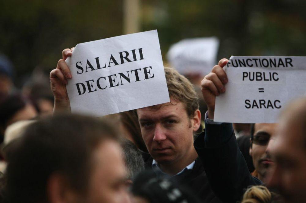 Salariile BUGETARILOR cresc simtitor de la 1 august! Vezi noua grila de salarizare si cat va castigat un medic sau un dascal!