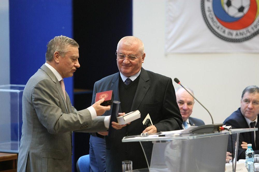 Mitica Dragomir si Mircea Sandu CONDAMNATI la inchisoare! Obligati sa plateasca peste 200 de milioane de euro!