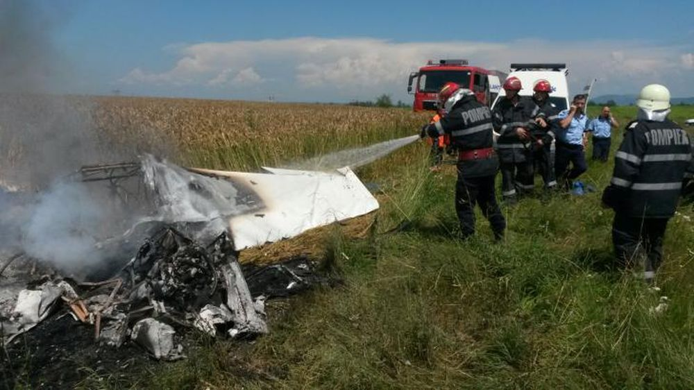 VIDEO – Avion prabusit langa Brasov! Cel putin o persoana a MURIT!