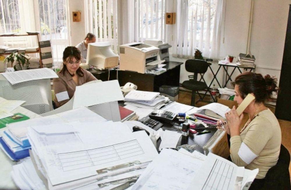 STUDIU: Bugetarii din Romania au salarii cu 7% mai mari decat cei din Ungaria sau alte tari din vest!