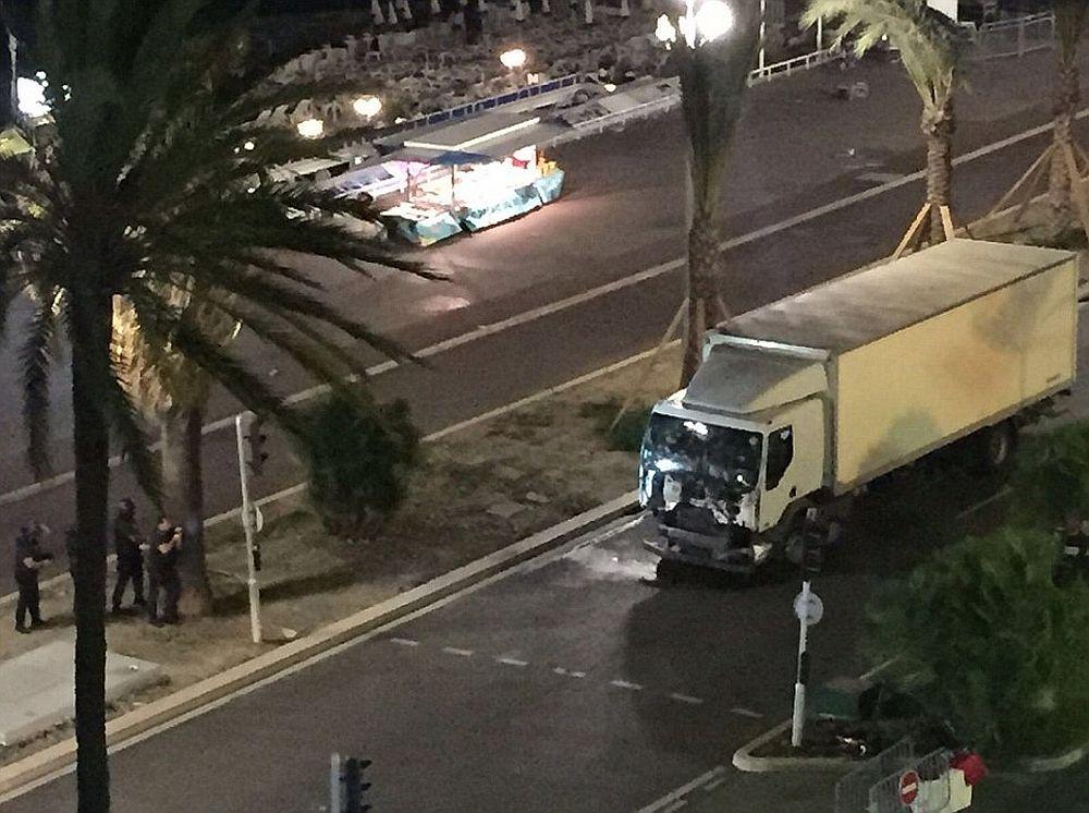 Abia acum s-a aflat! O familie de romani A DISPARUT in urma atacului terorist din Nisa!