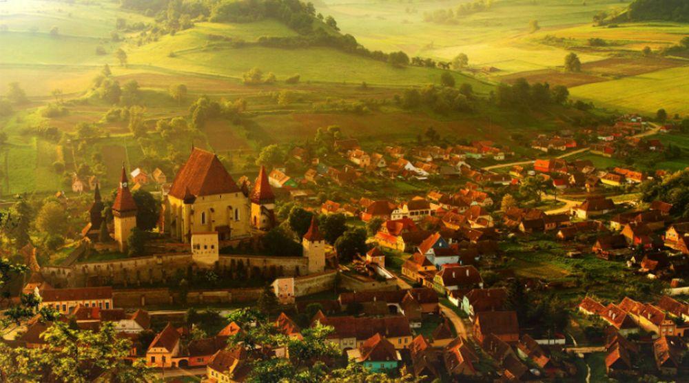 Tu ai auzit de el? Americanii sunt UIMITI de un sat din Transilvania: E mai frumos ca intr-un basm Disney!