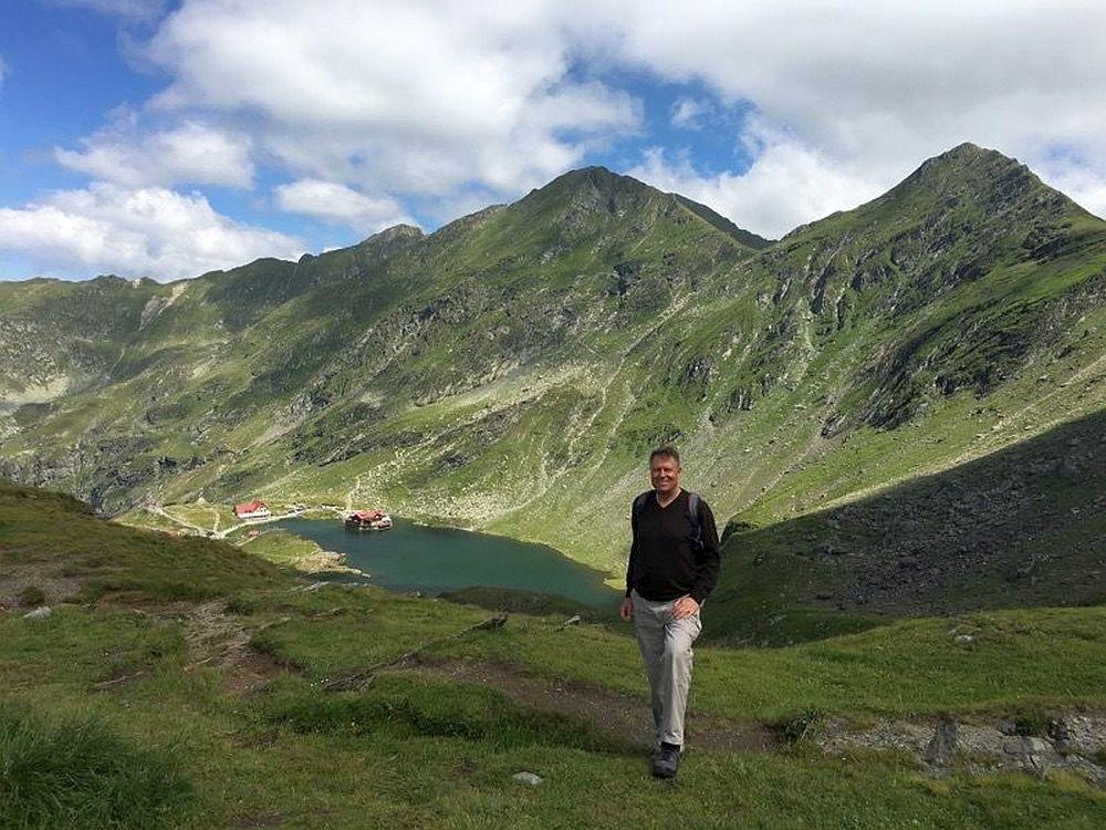 Presedintele Klaus Iohannis, din varful Fagarasilor: Avem cele mai frumoase perisaje din Europa! Merita sa le DESCOPERITI!