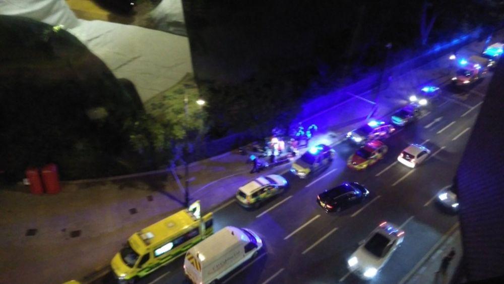 Un NEBUN a inceput sa INJUNGHIE oameni pe strada, in centrul Londrei! Atac incheiat cu un MORT si 7 raniti grav!