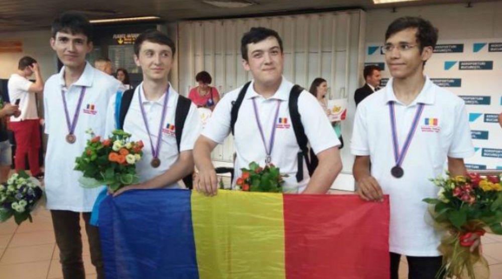 Un elev de EXCEPTIE din Vaslui face CINSTE Romaniei: Medalii la Balcaniada si Olimpiada Internationala de Informatica!
