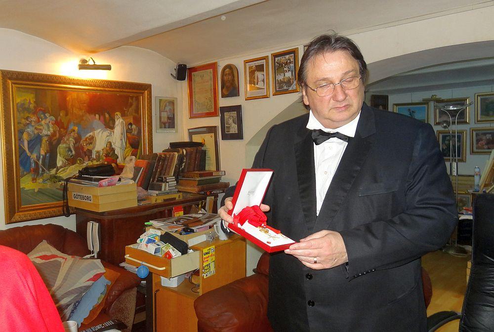 Marele caricaturist roman Ştefan Popa Popa's: 85% din populatia tarii este IMBECILIZATA! Toata lumea vrea palate, masini, amante…
