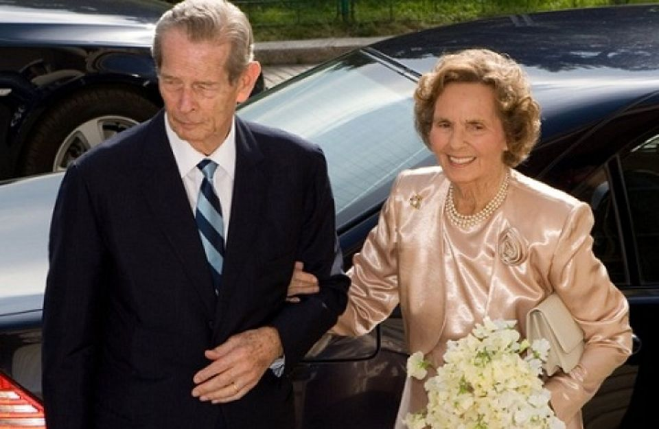 Zi de DOLIU NATIONAL in Romania! Regele Mihai, GRAV BOLNAV, va lipsi de la inmormantarea Reginei Ana!