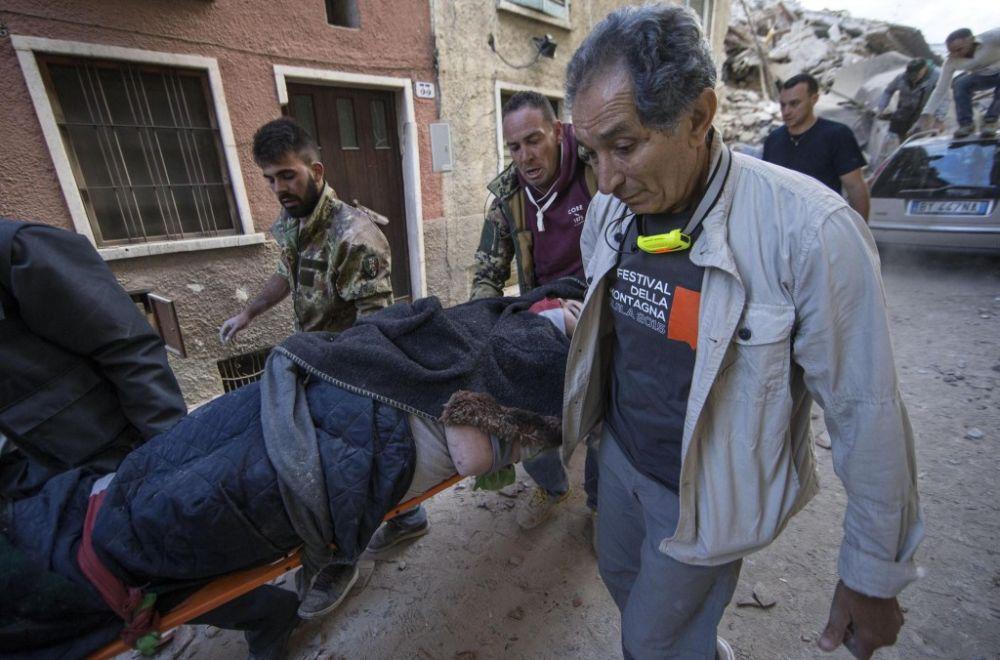 FOTO – Un mare inginer italian explica de ce s-au prabusit ATAT de multe imobile la cutremur!