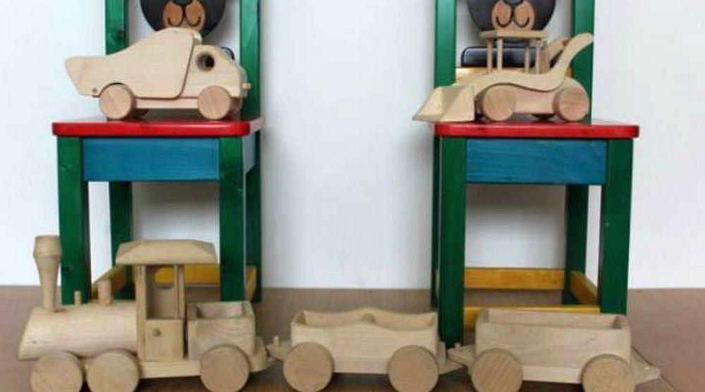 Copiii nostri n-au manuale sa invete si ai nemtilor se joaca cu jucarii fabricate in Romania!
