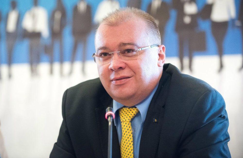 Ambasadorul Romaniei la Londra, despre romanii blocati pe aeroport: Sa se descurce, nu suntem babysitteri publici!