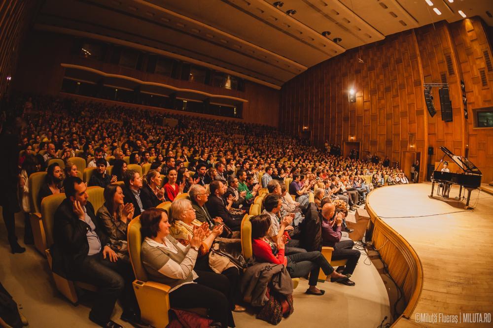VIDEO – Filarmonica Romilor CONCERTEAZA in premiera la Bucuresti! Marcel Pavel si Nico i se alatura!