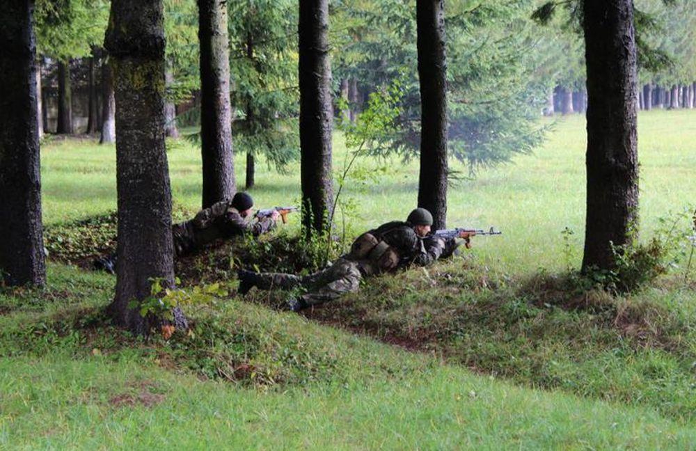 Presiuni URIASE, la cel mai inalt nivel, pentru reintroducerea stagiului militar obligatoriu in Romania! Vezi care sunt interesele!