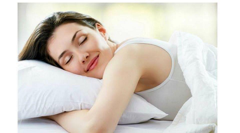 Obisnuiesti sa dormi ziua? Citeste asta si o sa vezi la ce riscuri te expui!