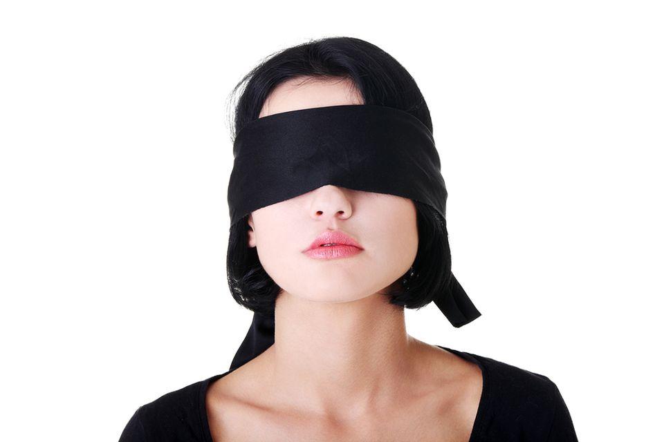 Pe mainile cui a ajuns Romania? Studente racolate de o secta oculta si PUSE sa participe la RITUALURI sexuale CIUDATE!
