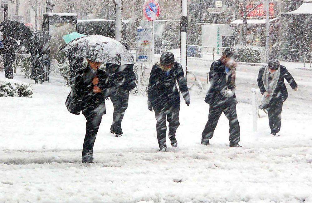 Meteorologii au anuntat cum va fi vremea de Craciun si Anul Nou