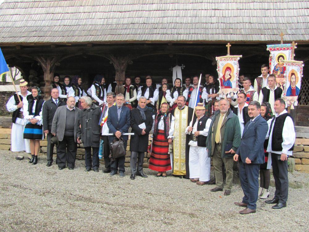 Prima scoala de Patriotism şi Identitate Naţională din Romania a fost sfintita in Poiana Izei!