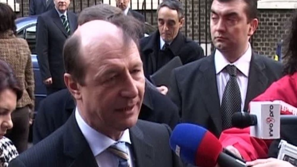 Jurnalistul Rares Bogdan il DESFIINTEAZA pe Basescu: Un JEG UMAN absolut!