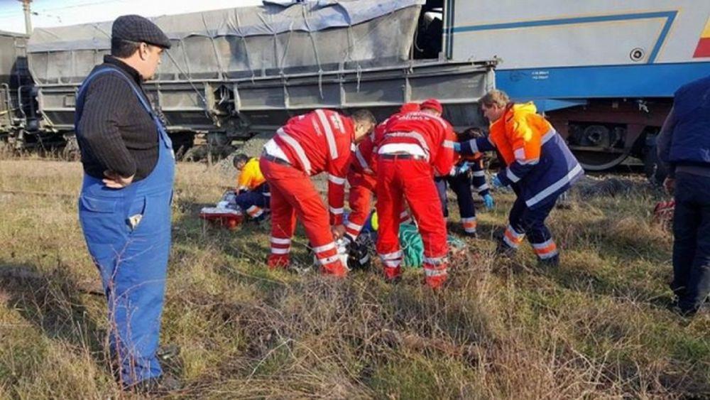 TRAGEDIE pe calea ferata: Doua trenuri s-au ciocnit FRONTAL in Gorj! Cel putin un MORT!