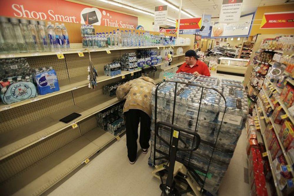 68% din apa din supermarketuri COLCAIE DE BACTERII! Am ajuns sa cumparam OTRAVA!
