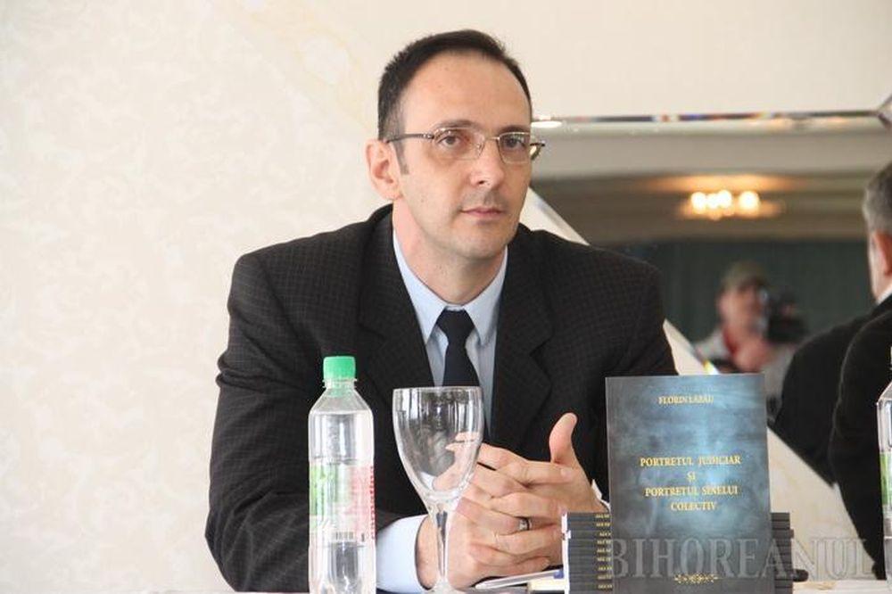 Un criminalist roman din Bihor A UIMIT FBI-ul! Multumita lui au fost prinsi SUTE de criminali periculosi!