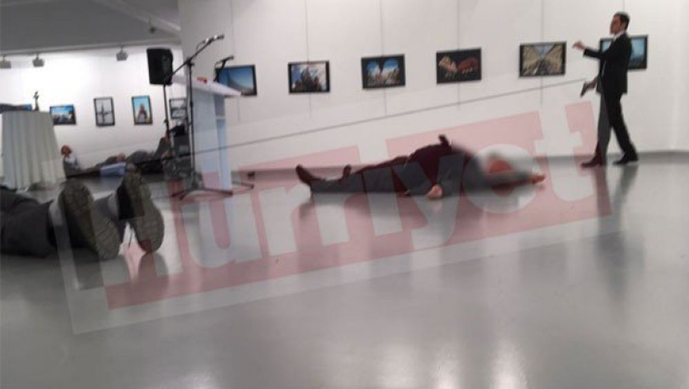 FOTO -VIDEO Turcia devine tara EXTREM de PERICULOASA! Ambasadorul Rusiei a fost IMPUSCAT MORTAL!