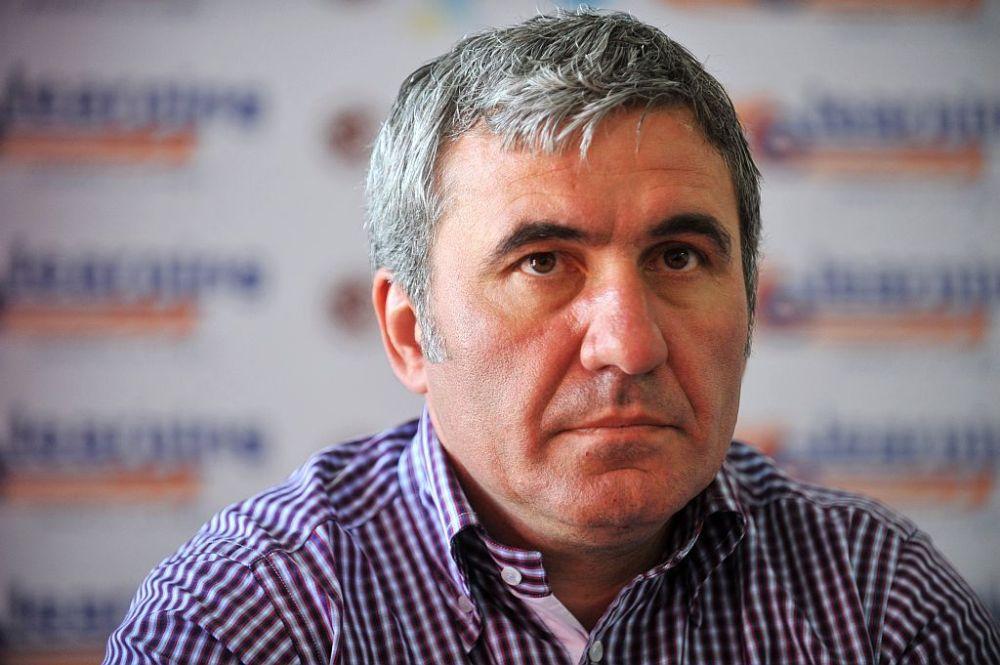 BOMBA anului in fotbalul romanesc! Hagi transfera pe ascuns fotbalisti minori in strainatate si banii dispar in offshore-uri!