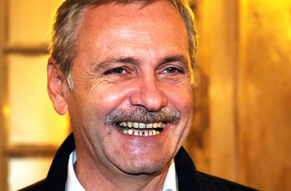 """Liviu Dragnea RADE de cei peste 600.000 de romani care au protestat in strada dupa OUG 13! """"Amuza-te in PUSCARIE, domnule CONDAMNAT!"""""""