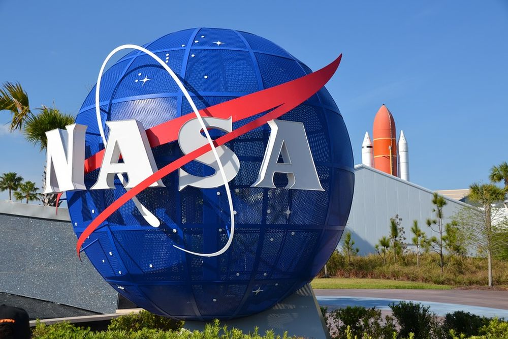 Anunt istoric din partea NASA: Americanii se intorc pe luna!