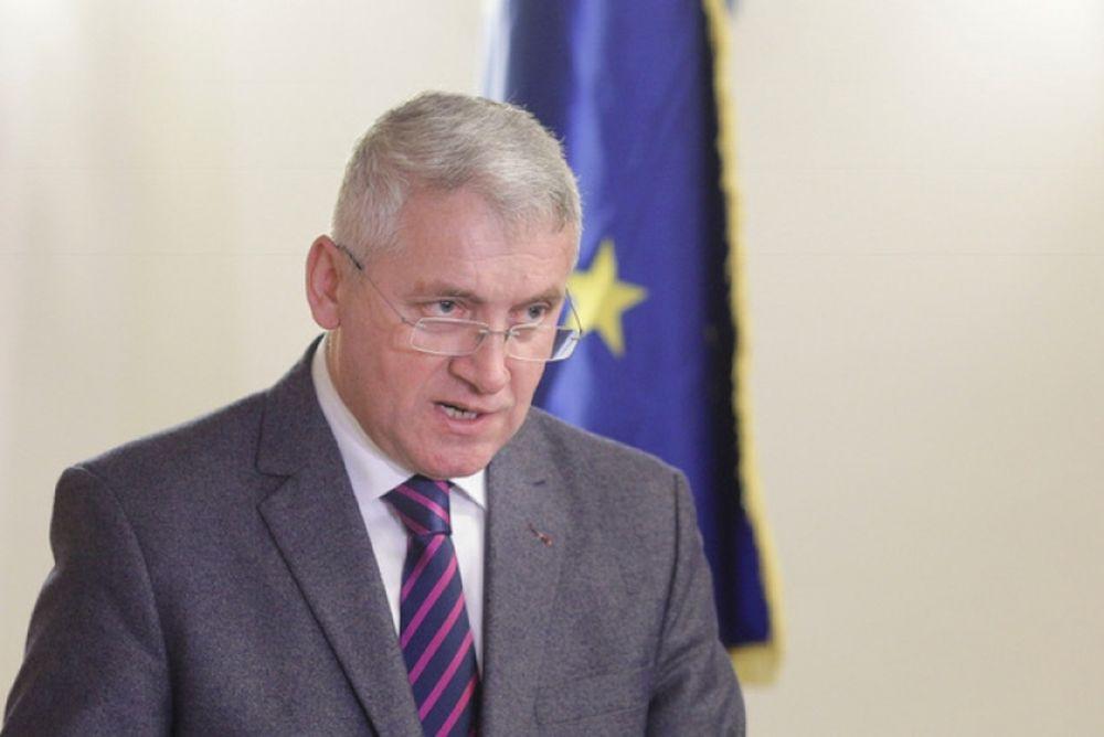 PSD-isti ascut cutitele in tara: un presedinte de Consiliu Judetean si-a dat DEMISIA!