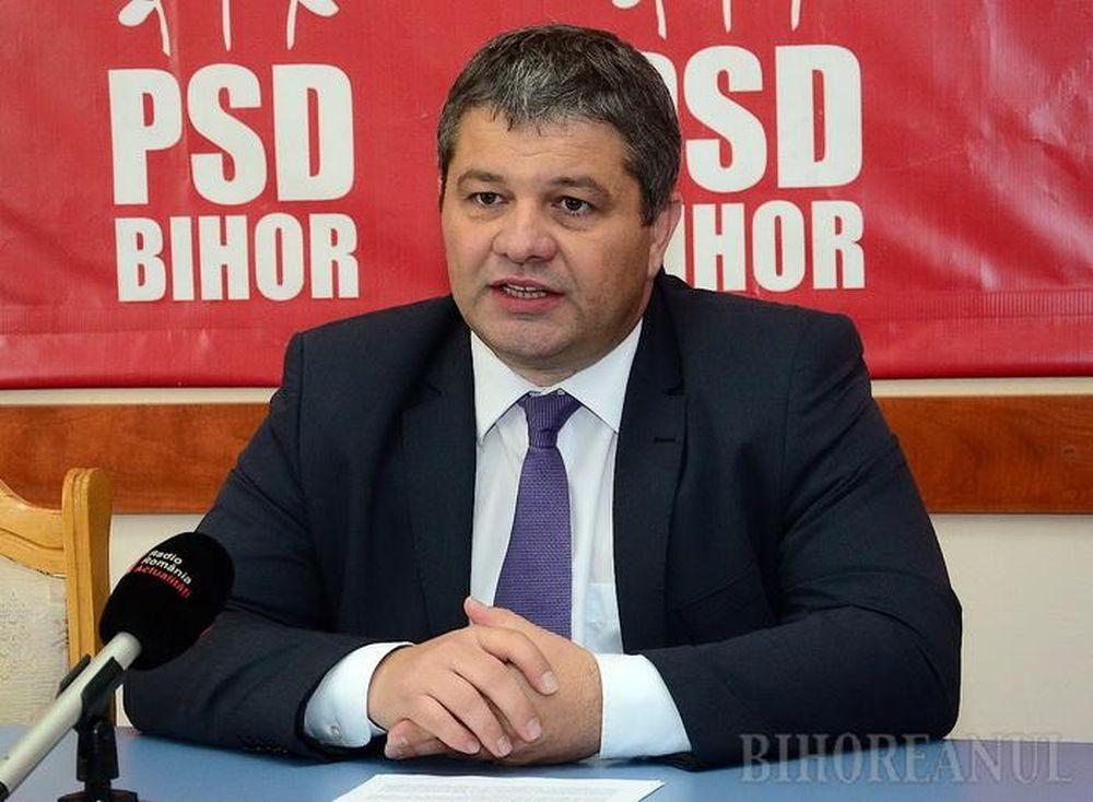 Ministrul Sanatatii acuzat ca si-a plagiat doua treimi din lucrarea de doctorat!