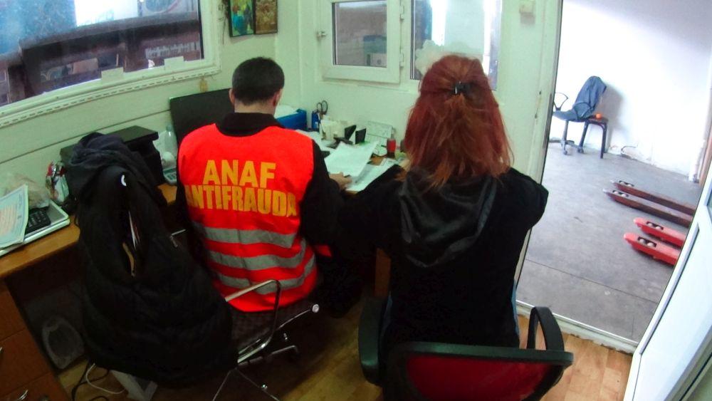 Anunt EXTREM de important de la Fisc: Incep AMENZILE pentru romanii care muncesc in strainatate!