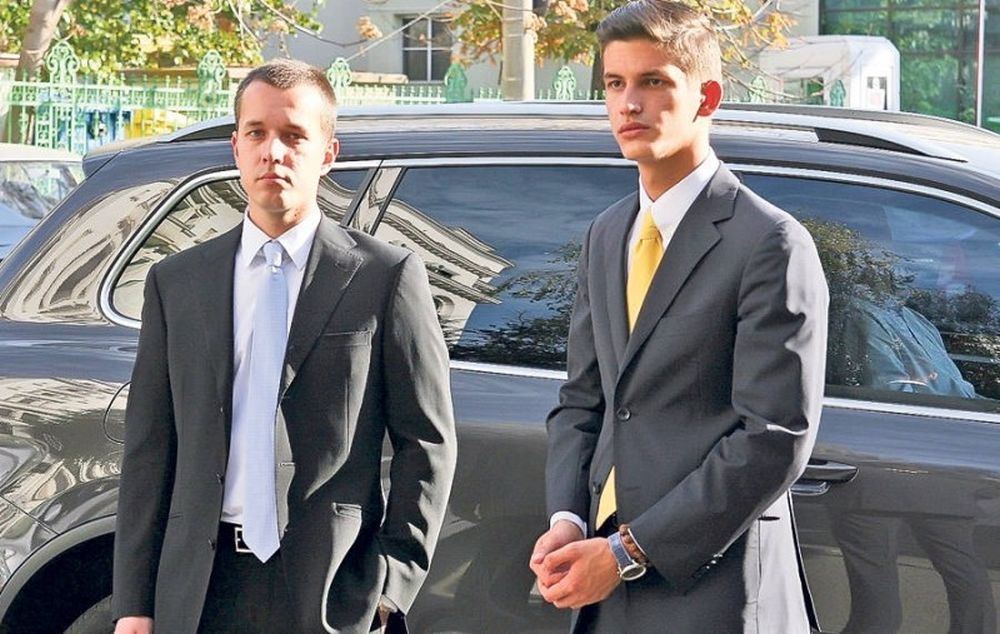 Ca orice BUGETAR CINSTIT, Adrian Nastase a platit o suma IMENSA pentru ca fiii sa-i calce pe urme!