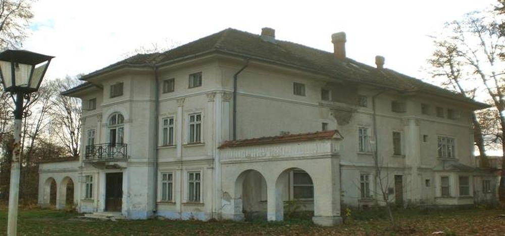 VIDEO – Ne distrugem istoria si cultura pentru bani! Castelul Brancoveanu va fi DEMOLAT pentru a face loc unui supermarket!