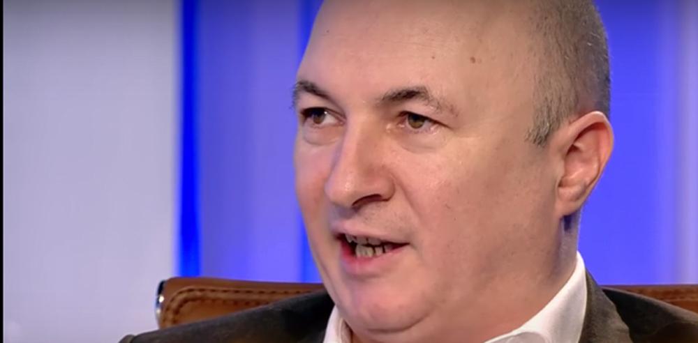 """VIDEO – Cine este purtatorul de cuvant al PSD, care apare zilnic la TV: """"Sluga hoata, lacom de avere, DNA cand o sa-l aresteze?"""""""