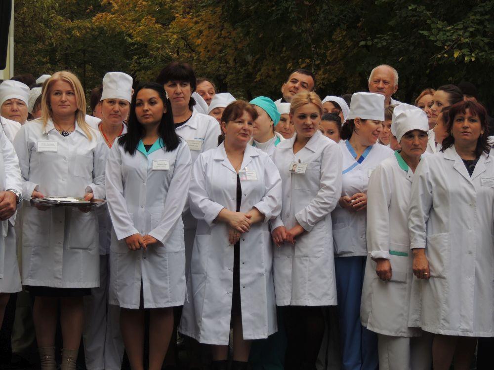 Cat castiga o asistenta medicala pe ambulanta in Romania?! O sa fii uimit cand vezi fluturasul de salariu!