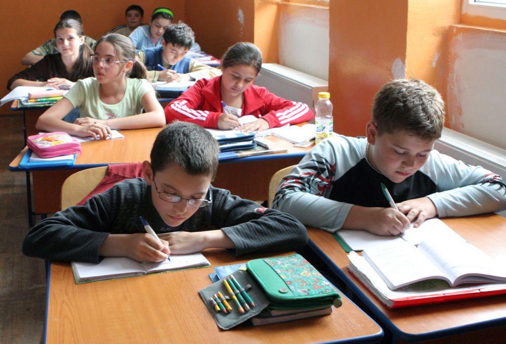 S-a schimbat structura anului scolar! Bacalaureatul si Evaluarea Nationala au date noi, iar vacantele s-au modificat!
