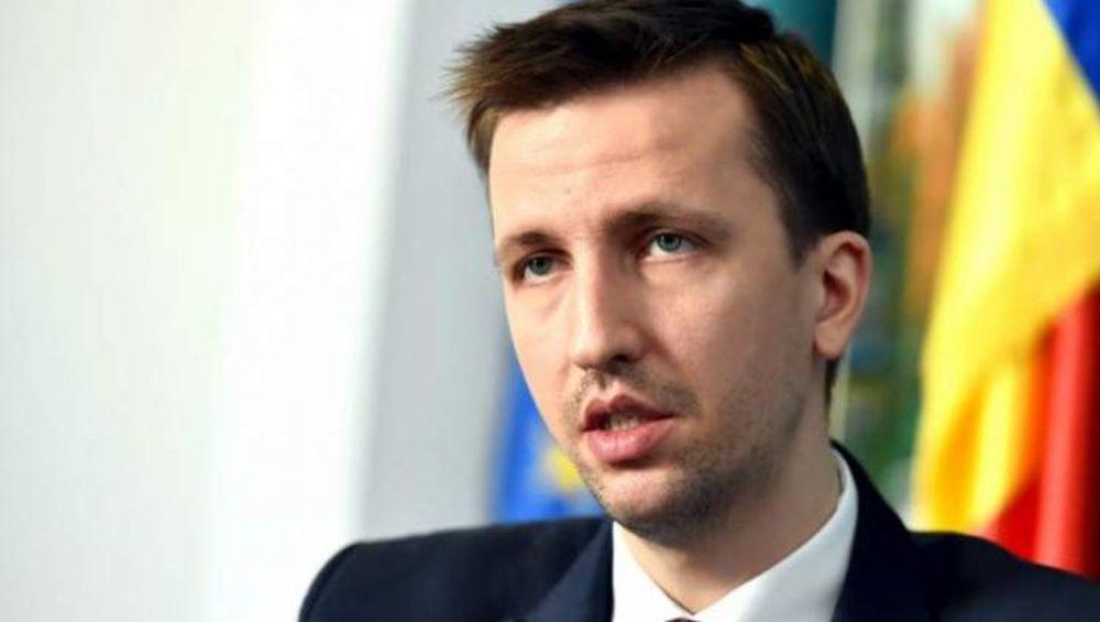 Intrebat de un contract cu dedicatie, un ministru in guvernul Grindeanu isi pierde cumpatul si reactioneaza nervos!