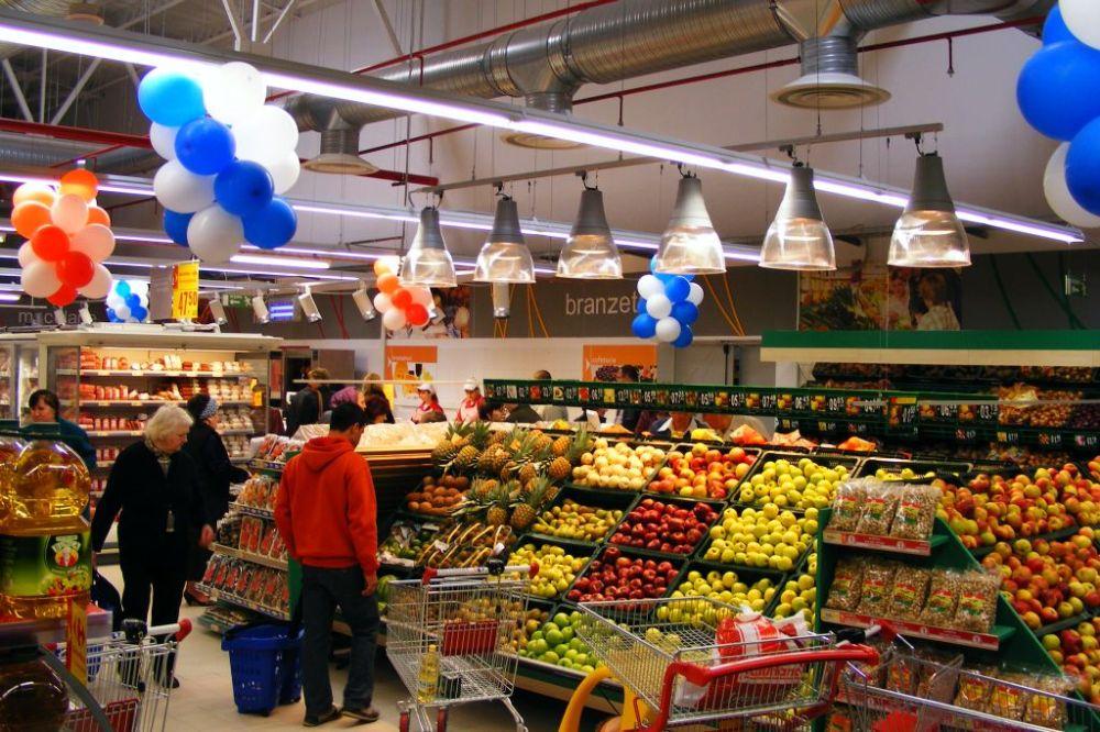 Ce mananca romanii? Intr-un an excelent pentru agricultura, Romania importa mancare in cantitati record!