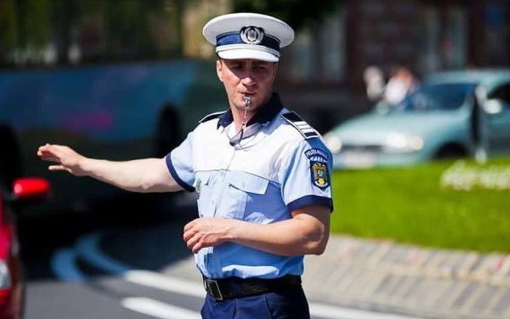 Politistul Marian Godina si-a postat pe facebook fluturasul de salariu! Vezi cat castiga un politist!