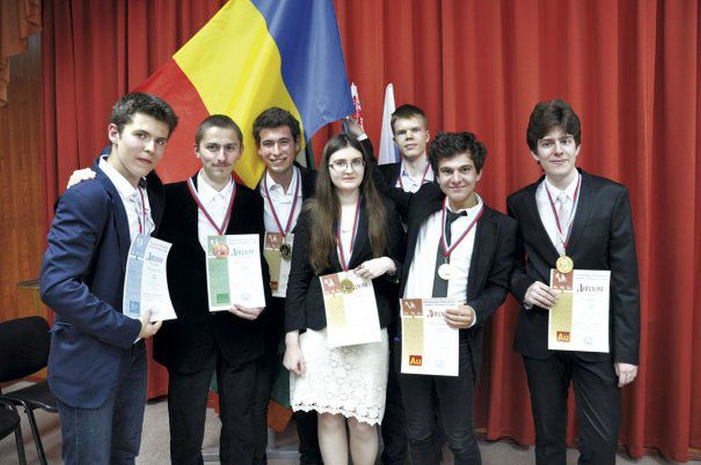 Un elev din Romania este CEL MAI BUN OLIMPIC la chimie din lume!