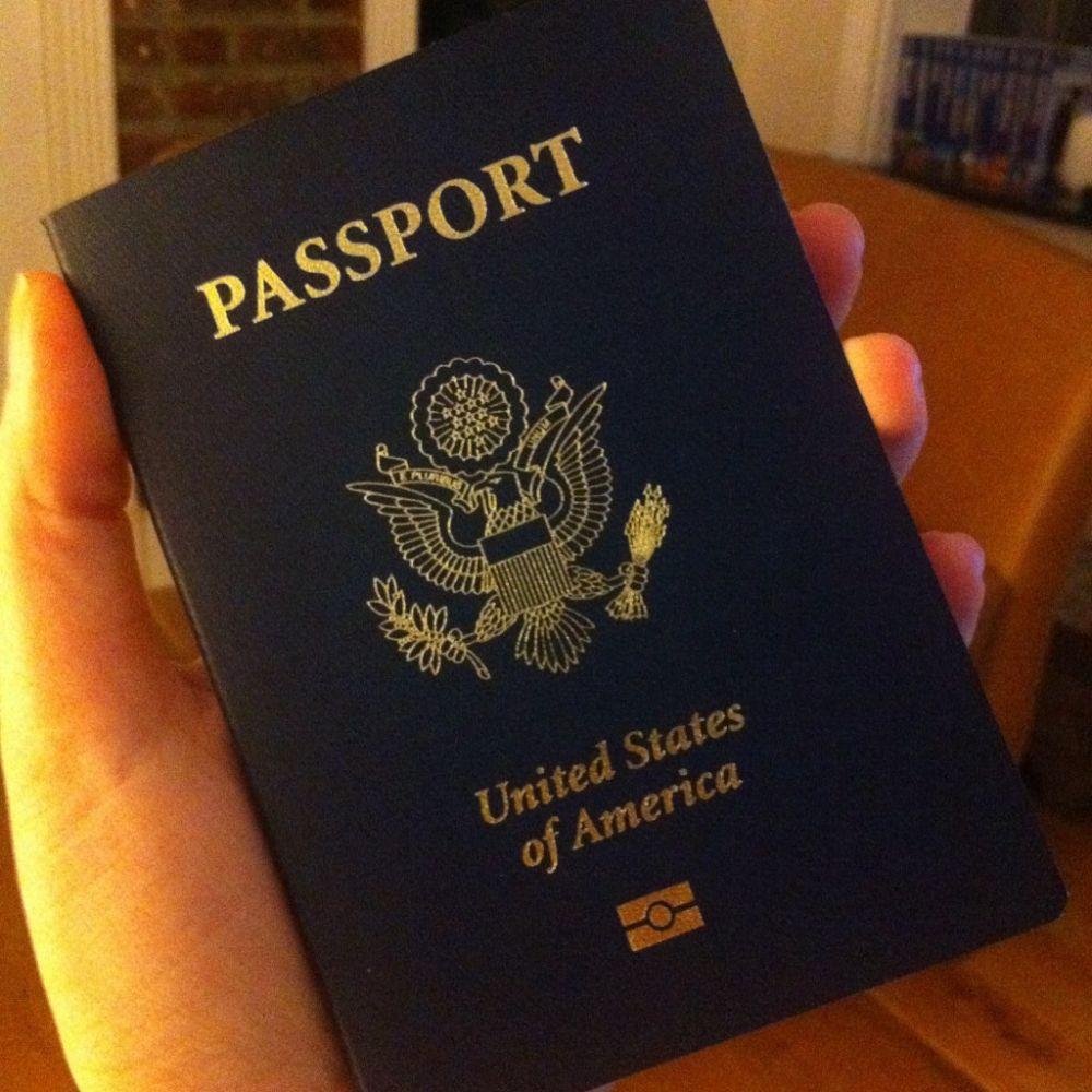 Lovitura GRAVA pentru Trump! Europa reintroduce vizele pentru americani!