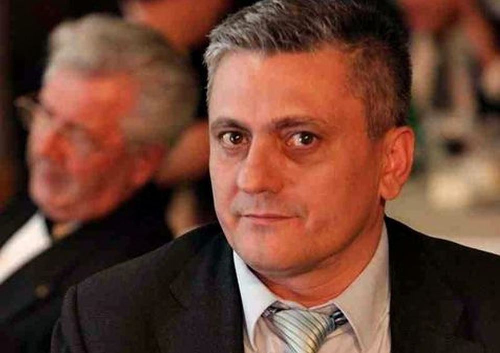 Un om de afaceri CONDAMNAT cu executare pentru coruptie a fugit din tara! Nu e Ghita, e Neculai Miron, un prieten apropiat al premierului Grindeanu!