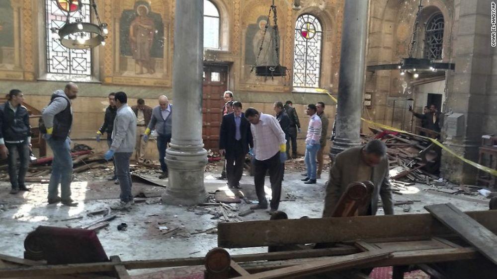 VIDEO –  Atentat cu bomba de Florii, intr-o biserica din Egipt! Cel putin 21 de morti si 59 de raniti!